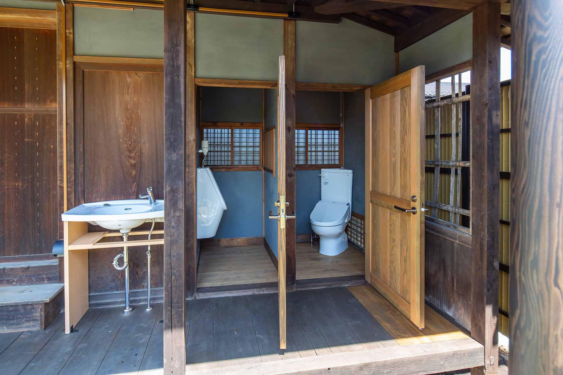 外トイレ3