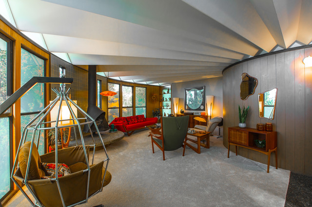 Houzz TV: Travel Back To The 1960s In A Most Unusual Round House