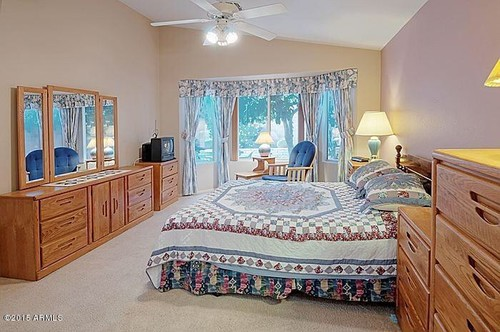 S Oak Bedroom Set - How to update bedroom furniture