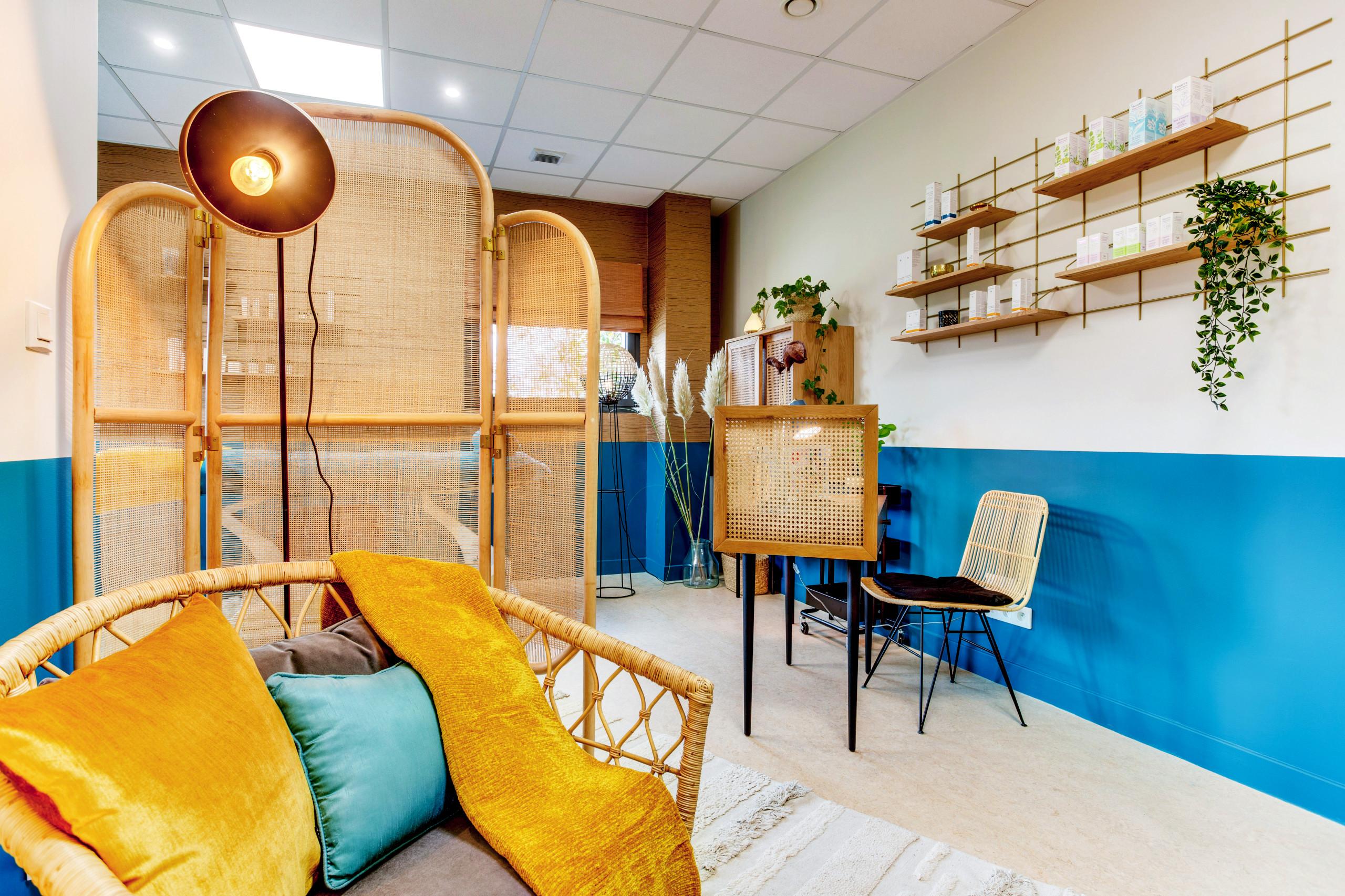 Zoom sur l'espace vestiaire : confortable et chaleureux