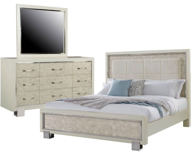 Pulaski Furniture Cydney 3 Piece Panel Bedroom Set, California King
