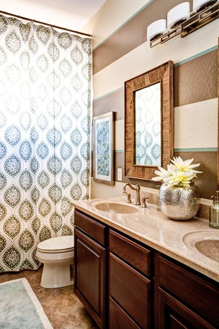 Example of a classic bathroom design in Phoenix