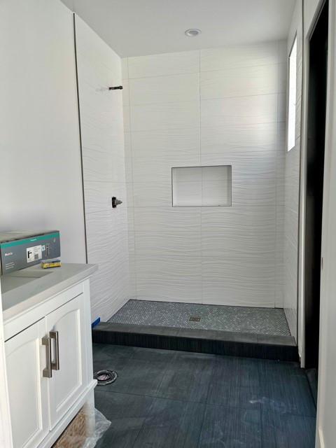 Contemporary home remodel - Davis
