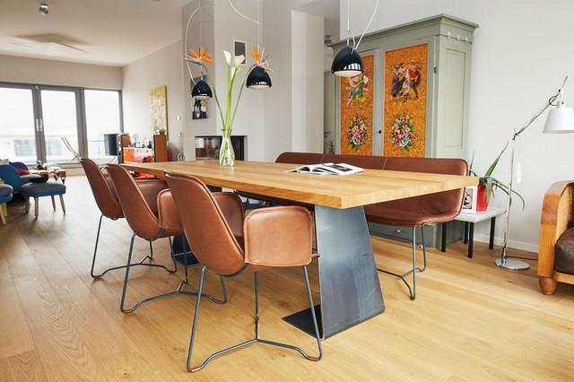 Warme Farben Und Massives Holz Im Esszimmer - Minimalistisch