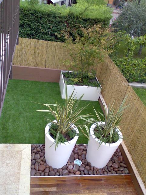 Piccolo giardino contemporaneo - Giardino moderno design ...