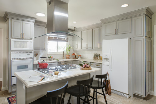 Gray cloud diamond cabinets creating a transitional for Diamond kitchen cabinets
