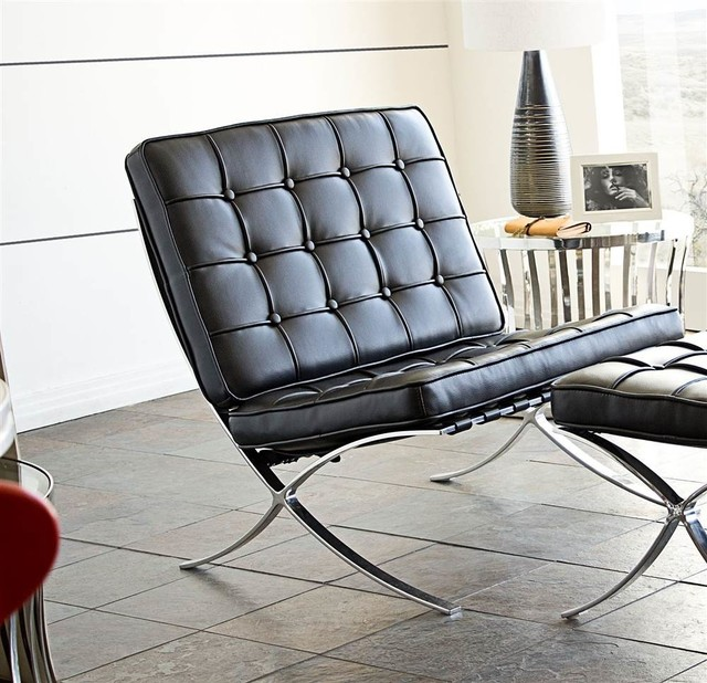 Cordoba Tufted Lounge Chair In Black.