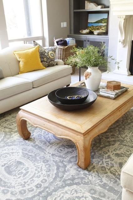 European Splendor Living Room Black Leather Sofa Fireplace Mantle Built In Klassisch Wohnbereich Salt Lake City Von Aubrey Veva Design