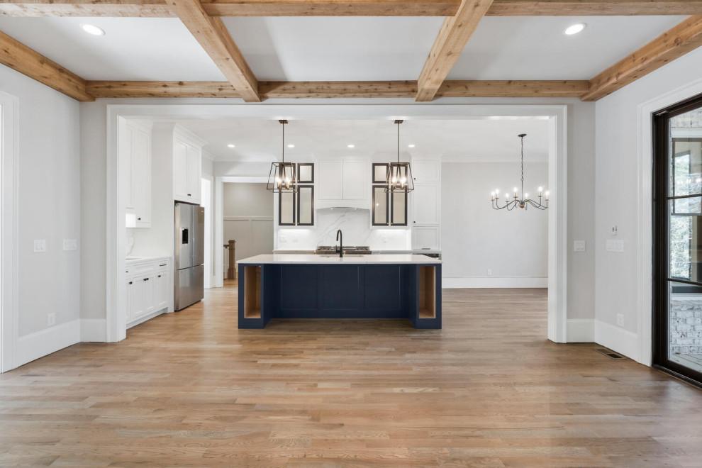 Kitchen - contemporary kitchen idea in Atlanta
