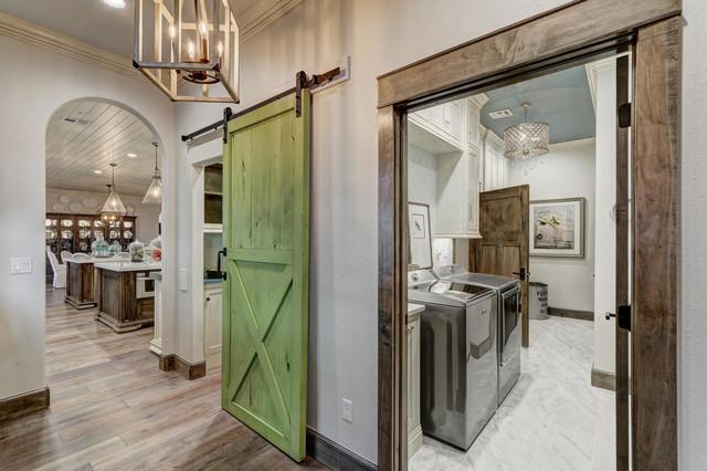 Home design - cottage home design idea in Oklahoma City