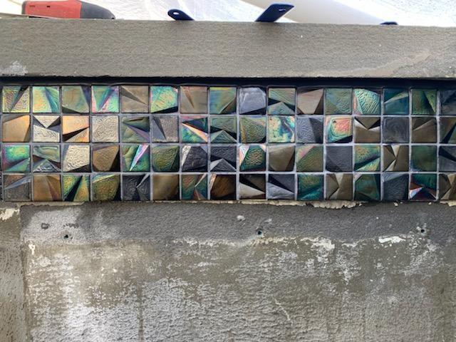 NPT Harlequin Glass Tile
