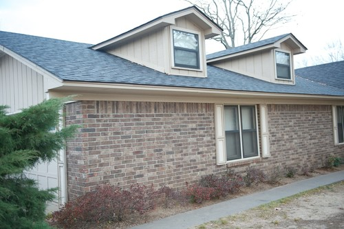 exterior paint colors with brown brick