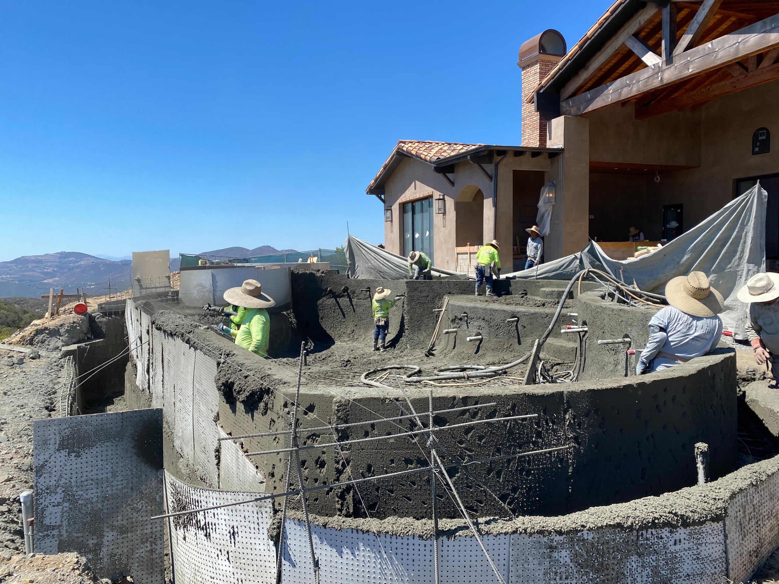 Building A Vanishing Edge Pool in Rancho Cielo, Rancho Santa Fe