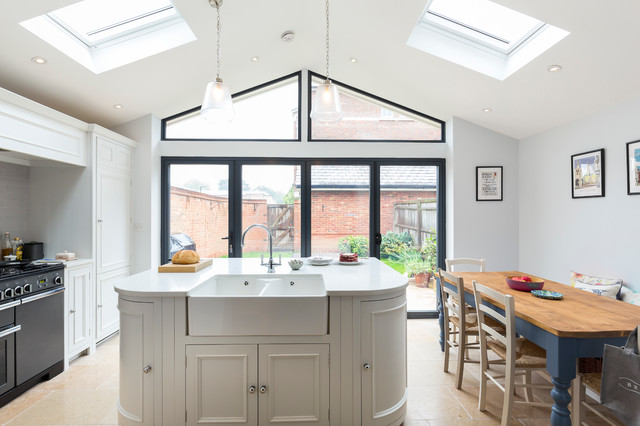 White kitchen extension in epsom traditional london for Traditional kitchen extensions