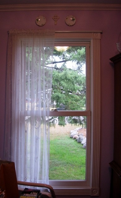 Over-the-window shelf w/curtain rod