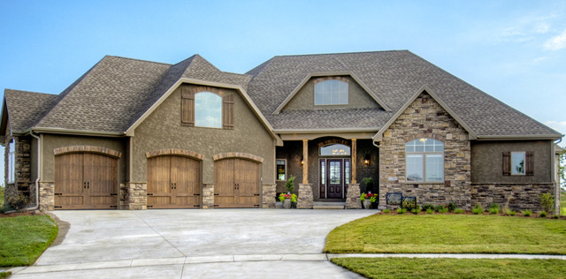 Bella Homes Iowa - Eclectic - Cedar Rapids - by Bella Homes