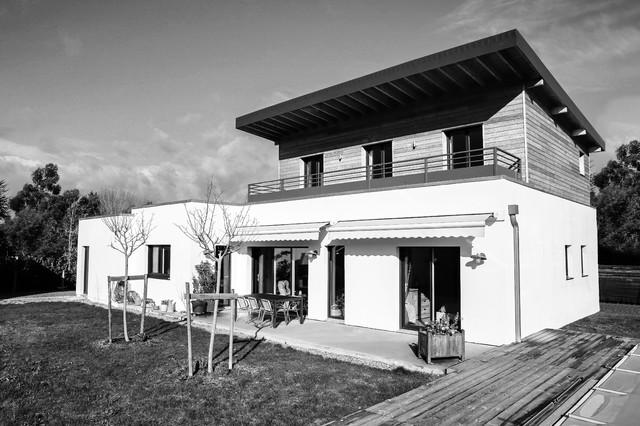 Construction ossature bois maison individuelle modern for Architecte marseille maison individuelle