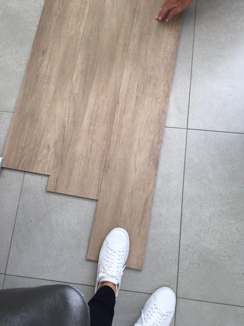 Abbinamento a piastrelle effetto legno bagno - Piastrelle bagno legno ...