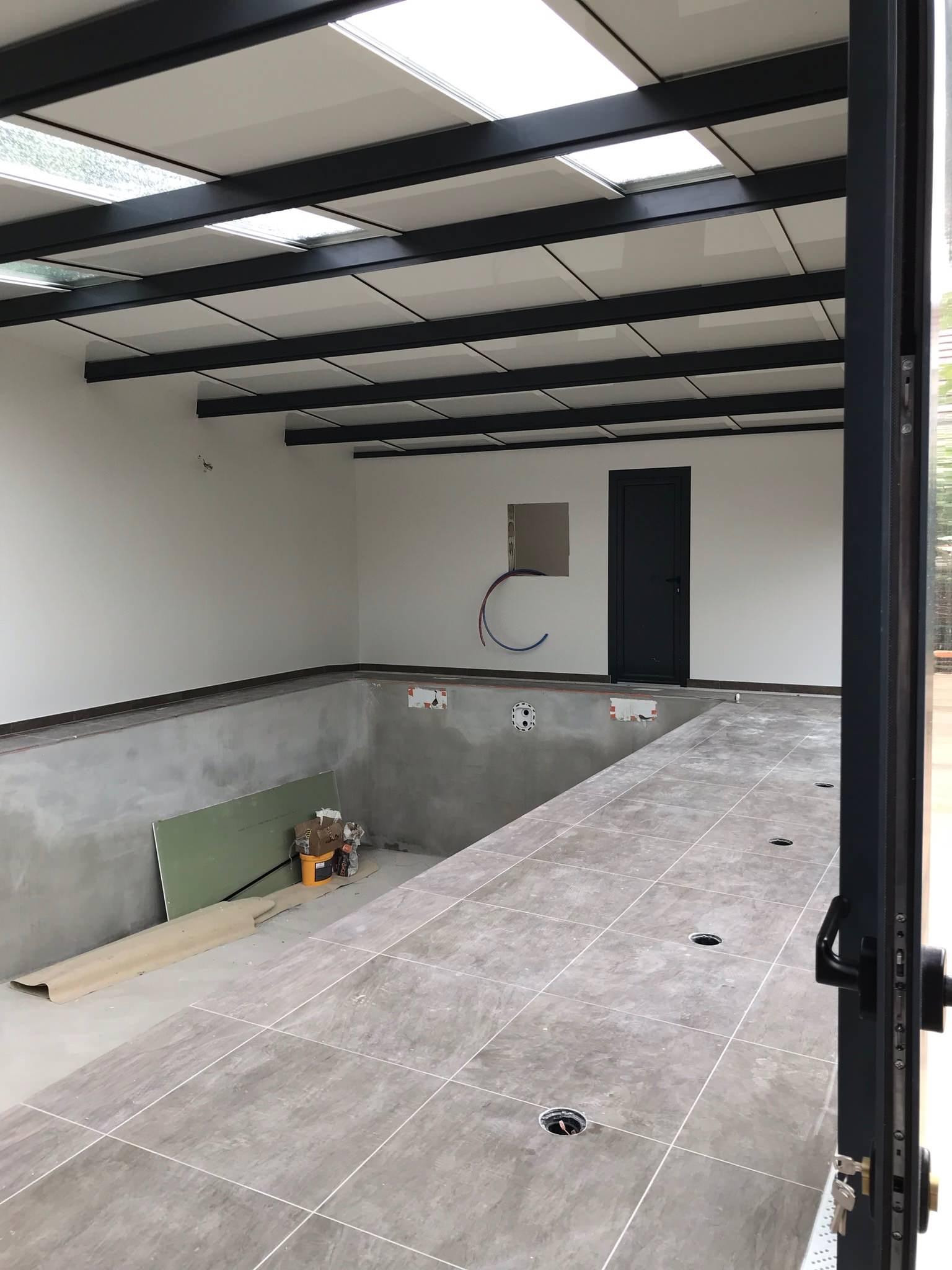 Construction piscine intérieur liner sable