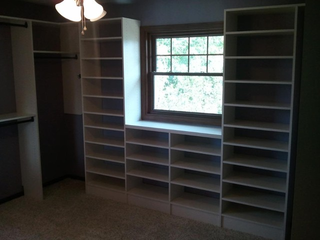 Turning a small bedroom into a walk in closet