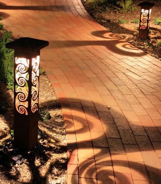 Decorative steel bollard lights