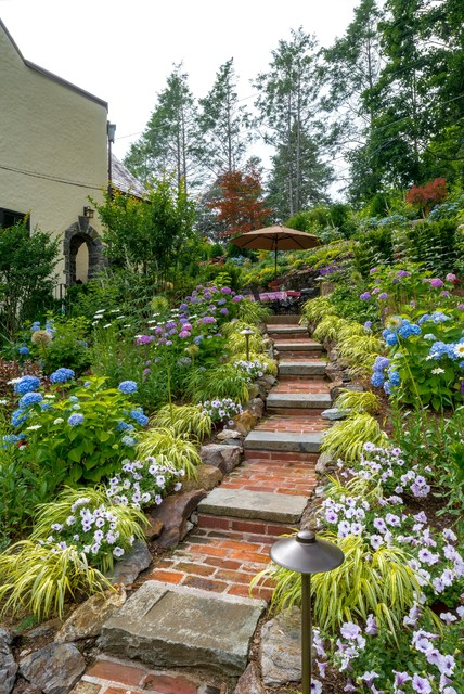 Casual elegance in westchester county ny traditional for Westover landscape design