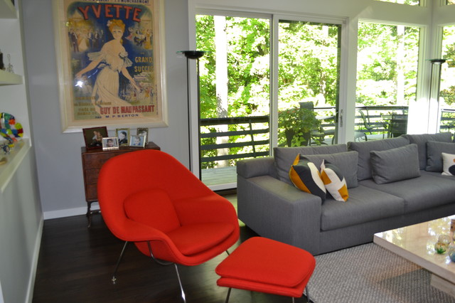 Example of a 1950s home design design in Chicago