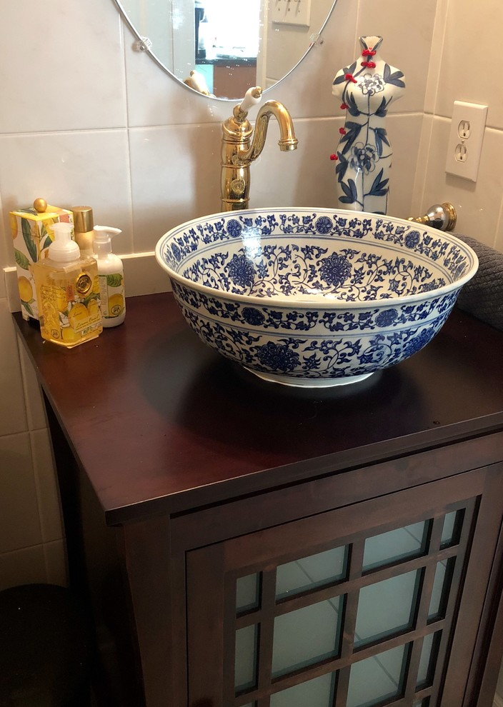 Shirley's Powder room facelift