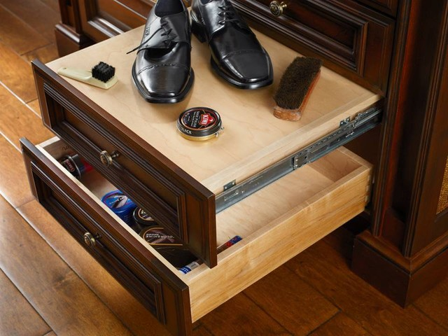 Hunt Club Valet - Traditional - Closet - Houston - by Cabinet Innovations