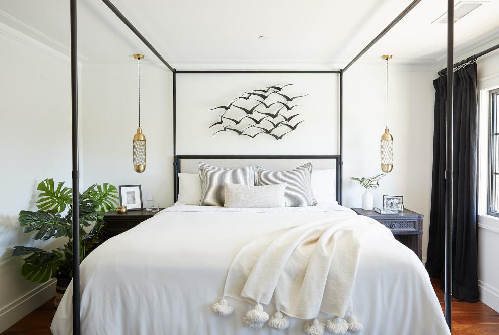 Bedroom - transitional bedroom idea in San Francisco