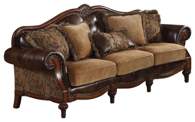 Sofa With 5 Pillows Brown.