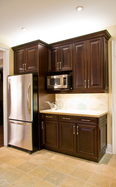 Lexington clove maple traditional kitchen toronto for Aya kitchen cabinets