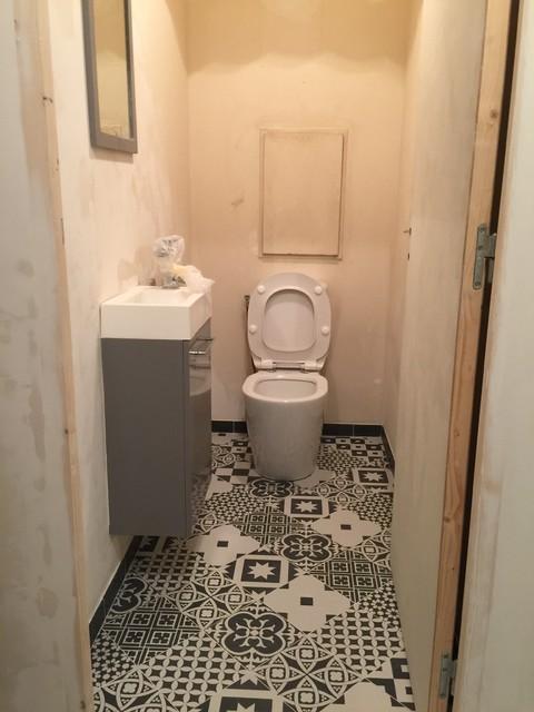 rénovation d\'un WC et d\'une salle de bain +rajout d\'une porte à ...