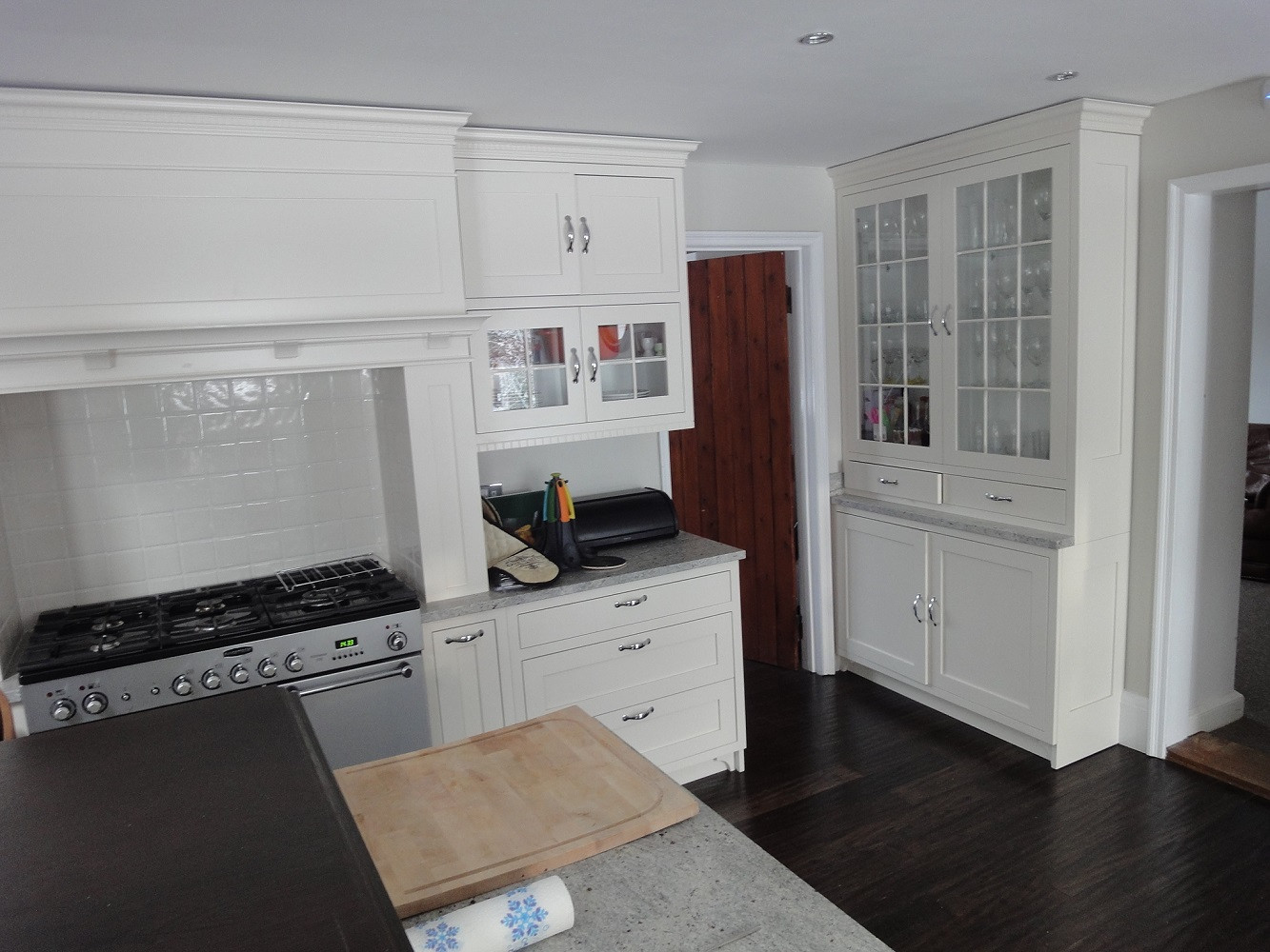 hand painted american shaker style kitchen