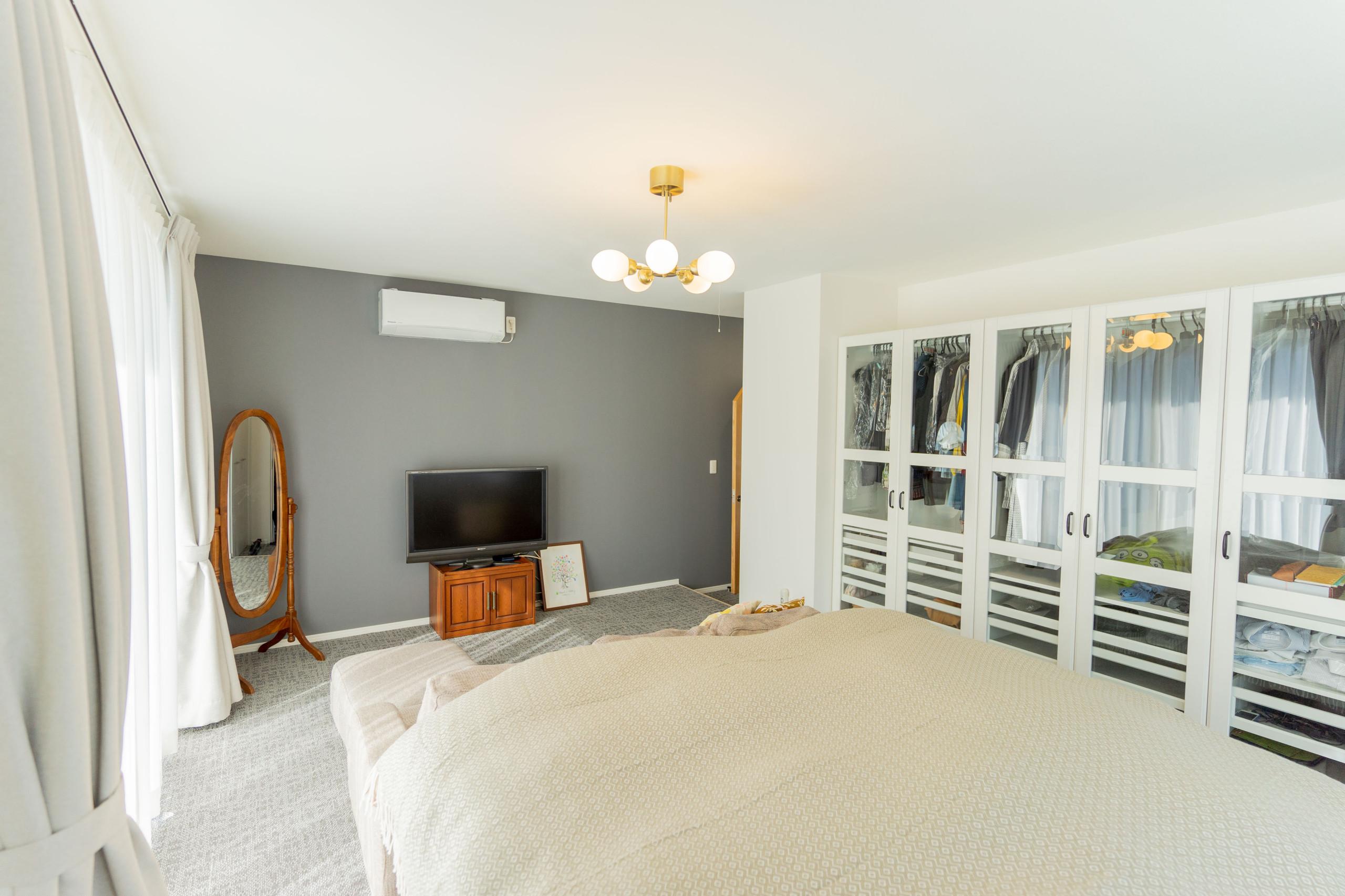 白を基調とした邸宅(寝室)