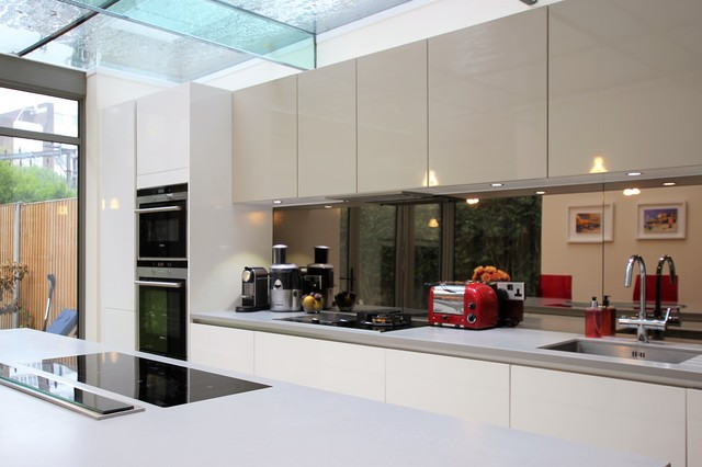 Why You Should Include A Mirror In Your Kitchen And How To Do It