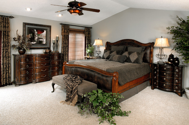 Traditional bedroom suites