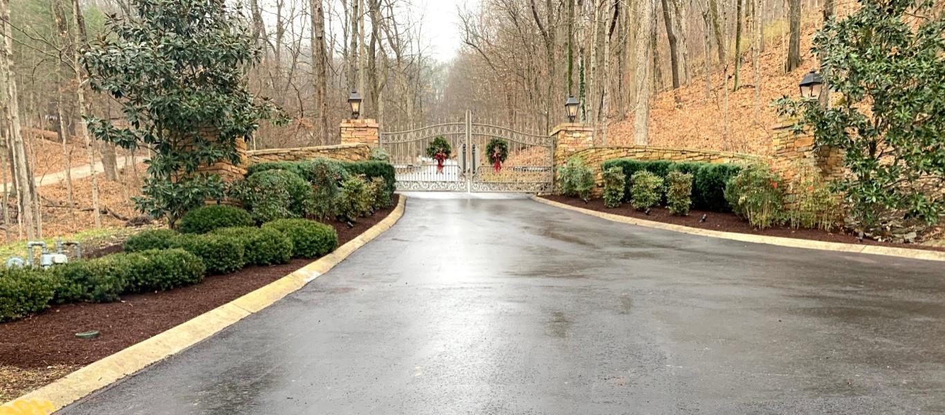 Design ideas for a transitional landscaping in Nashville.