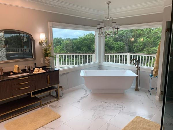 Freestanding Tub with Large Picture Windows