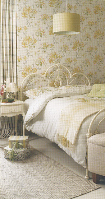 Laura Ashley Hydrangea Camomile Wallpaper Eclectic Bedroom - Laura ashley bedroom