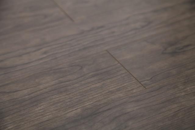 Dekorman Coast AC3 Laminate Flooring, 16.48 Sq. ft., Gray Maple
