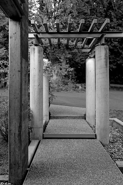 Entry Arbor
