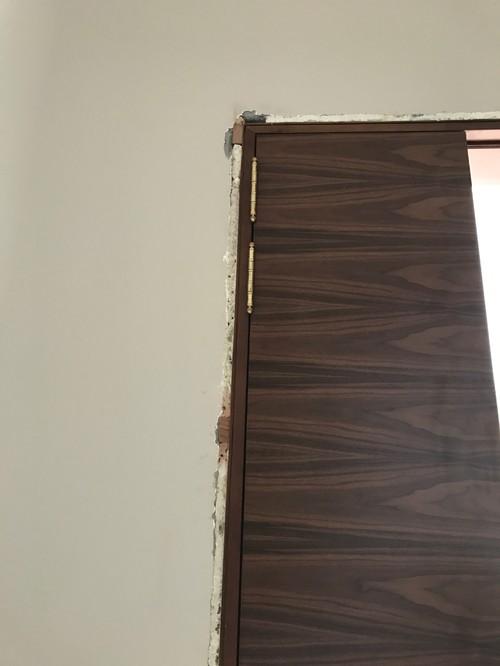 Need advice on internal wooden door hinge placement