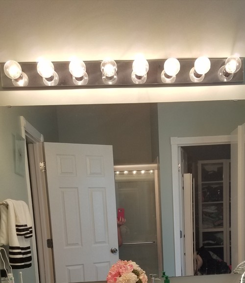 Vanity Light Makeover : Bathroom Vanity Hollywood Lights Makeover