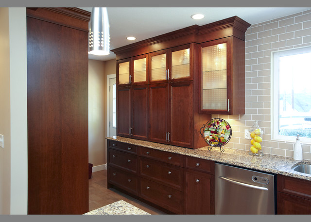 Urban classic cabinetry calissi for Classic home designs inc