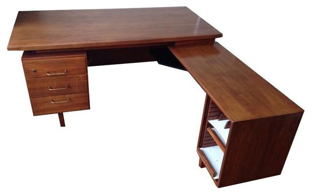 L Shaped Mid Century Desk   $1,000 Est. Retail   $300 On Chairish.com