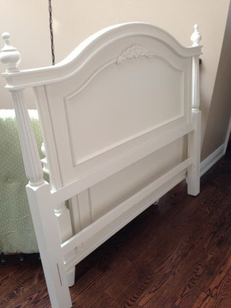 Need a benjamin moore color for french provincial bedroom for Benjamin moore french white