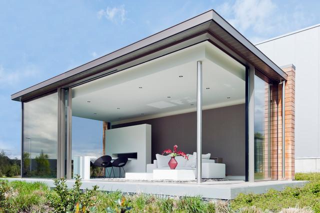 glashaus mit keller minimal windows minimalistisch. Black Bedroom Furniture Sets. Home Design Ideas