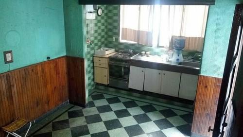 muebles blancos encimera negra muebles negros encimera blanca tambin hay un granito brasileo q es negro con vetas verdes que quedar mejor gracias