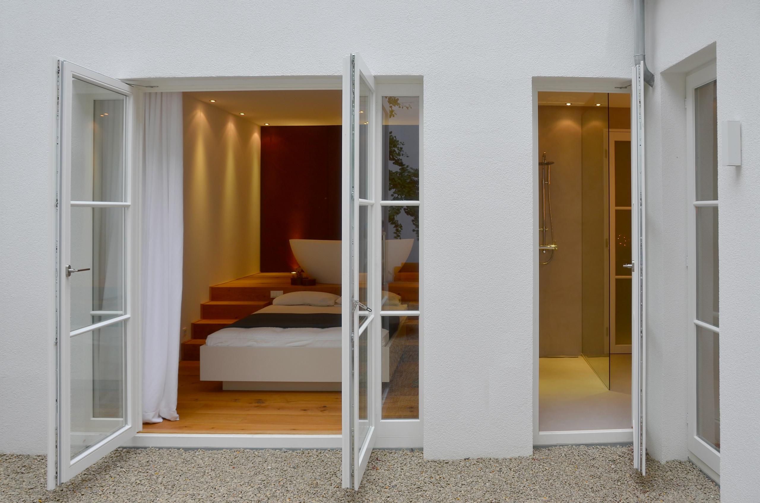Schlafzimmer und Bad